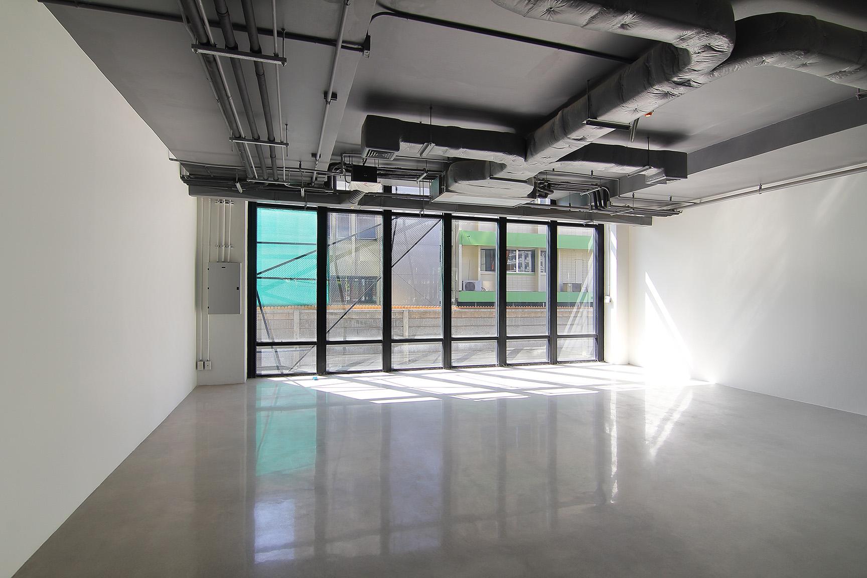 Z učinkovitim prezračevanjem v prostore dovajamo svež zrak in iz nijh odstranjujemo zastarel in vlažen zrak.